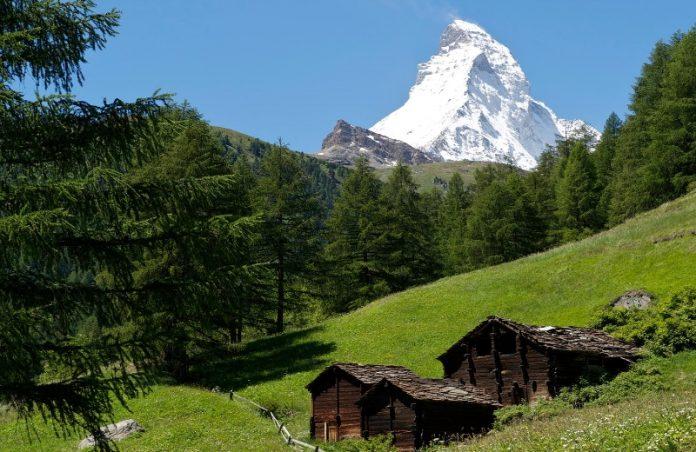 Foto: Divulgação|||Foto: Blue Ice Matterhorn/ski-zermatt