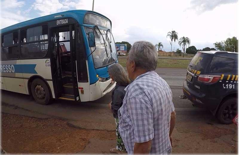 prf-idosos-onibus-close-2