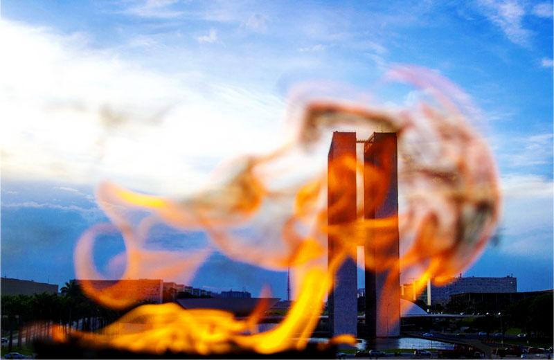 Congresso visto da chama da Pira - Foto: Daniel Zukko/MinhaBrasilia