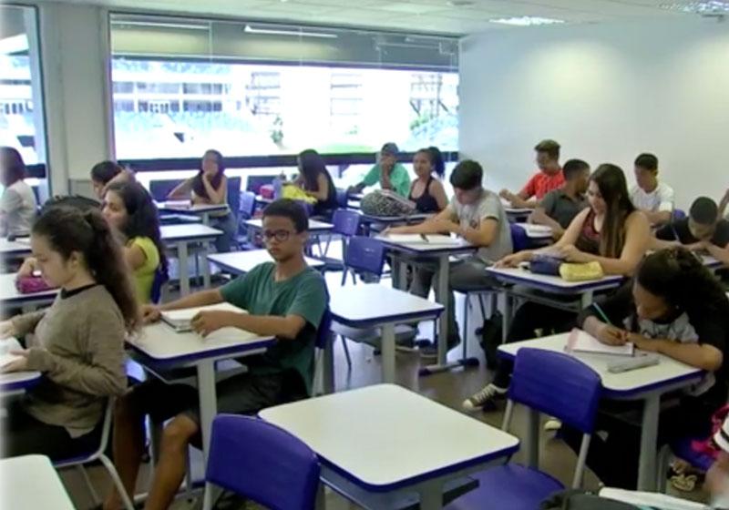 Sala de aula na Arena Pantanal - Foto: reprodução / TV Globo