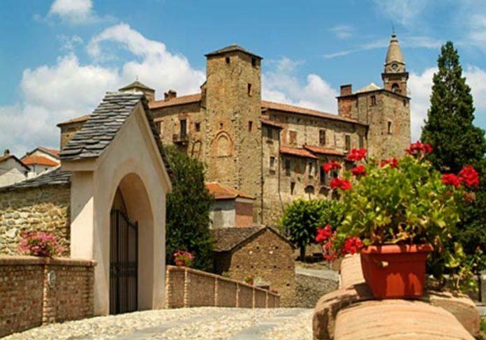 Foto: Castello di Monastero Bormida/castelliaperti.com Foto: Castelli Aperti