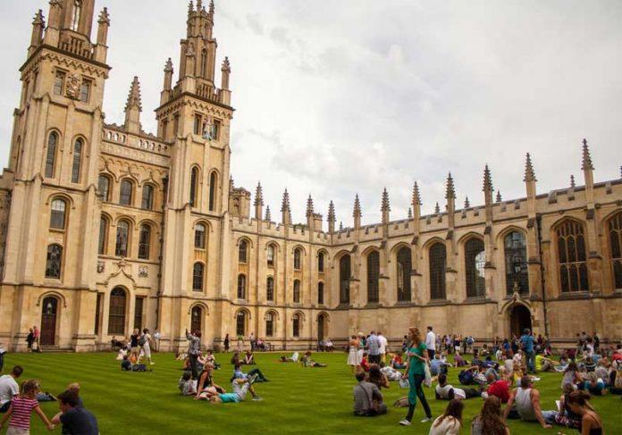 Universidade de Oxford - Inglaterra - Foto: Pixabay