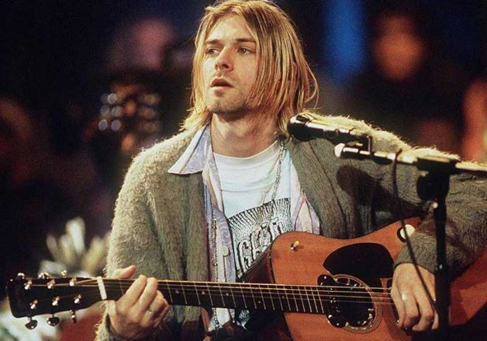 Kurt Cobain no Acustivo MTV 1993 - Foto: Frank Micelotta/Getty Images