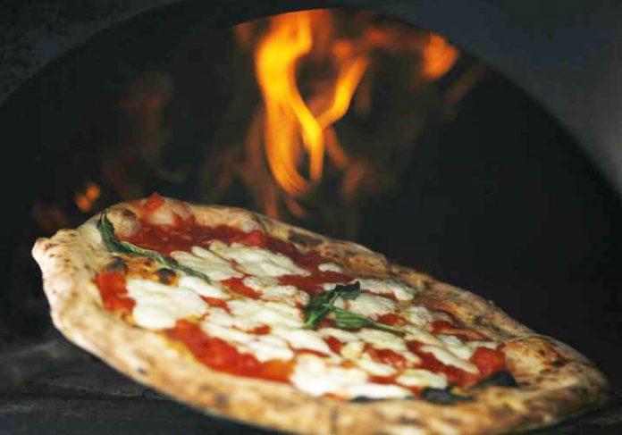 Pizza da AmbaRadan - Foto: Ciro Lucas / Reuters