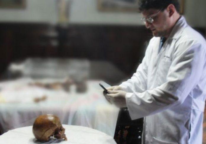 Foto: Divulgação|||Restos mortais atribuídos ao santo estão na Igreja de São Jorge