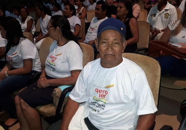 Nilo que tem 75 anos também se formou Foto: Adelcimar Carvalho/G1