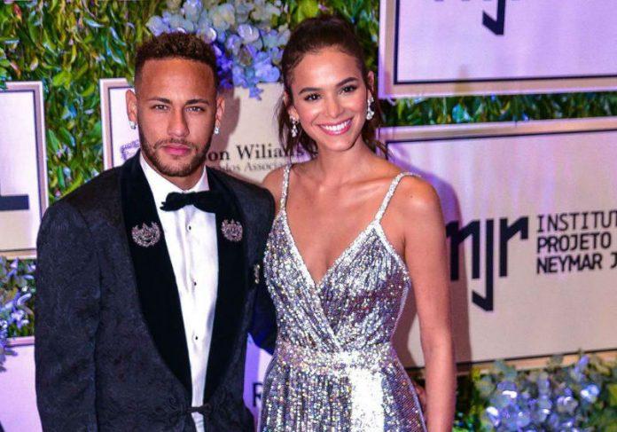 Neymar e Bruna Marquezine - Foto: Agência News|Foto: INJr||Sabrina Sato