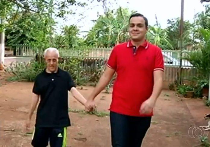 João com o sobrinho - Foto: reprodução / TV Anhanguera 