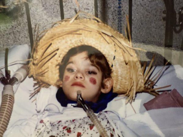 Eliana internada com 1 ano - Foto: arquivo pessoal