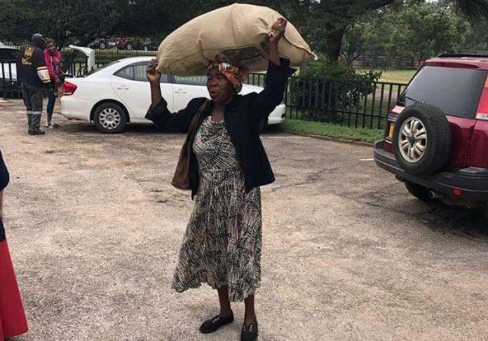 Gogo Magombo - Foto: AP / KB Mpofu