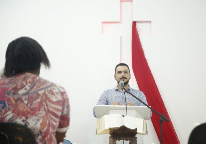 Pastor Luiz Gustavo - Foto: Marcos Serra Lima/G1||