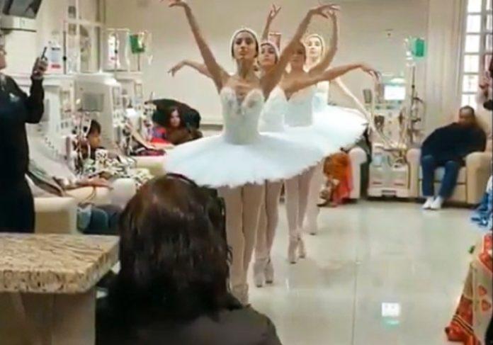 Bailarinos do Bolshoi na clínica - Foto: Caroline Biondo