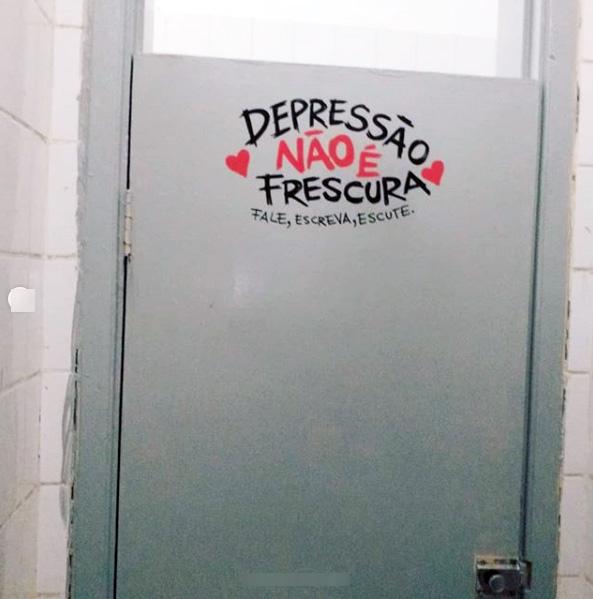 grafite-banheiros-porta-10