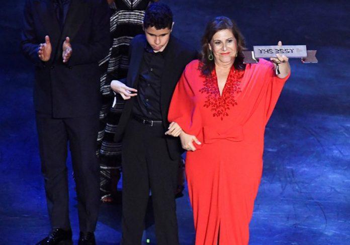 Silvia e Nickollas na premiação - Foto: Reuters