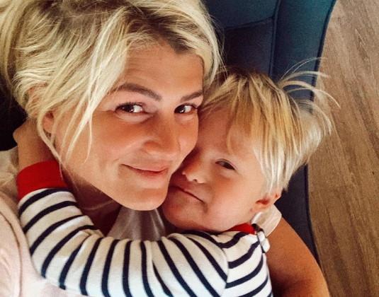 O garotinho Welles e a mãe Oakley Foto: Instagram