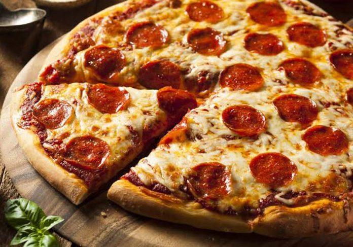 Pizza de peperoni - Foto: reprodução 