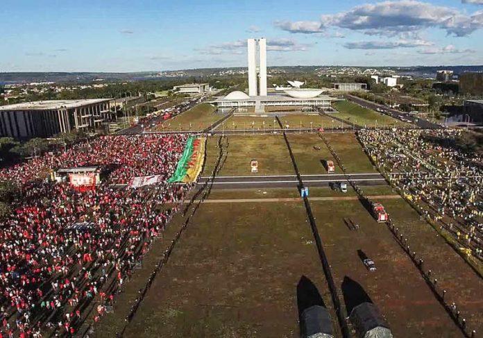 Cena do documentário 'Democracia em Vertigem' - Foto: Divulgação