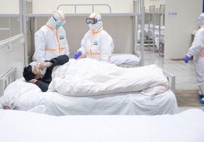 Paciente em hospital da China - Foto: EFE/EPA/YFC    