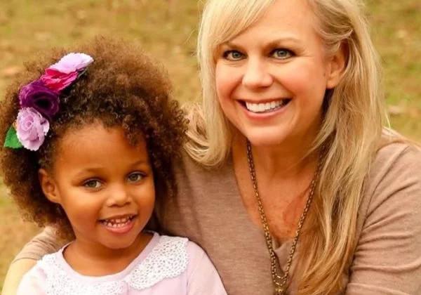 Sherrie Neely e a filha Kira Foto: reprodução Facebook