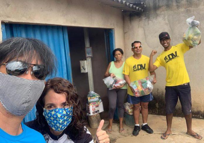 Entrega de kits- Foto: divulgação / DV na Trilha