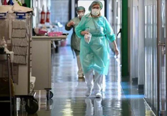 Profissionais da saúde em hospital na Itália - Foto: Reuters