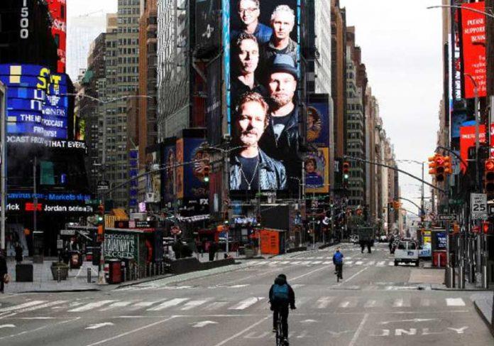 Time Square vazia - Foto: Brendan Mcdermid / Reuters