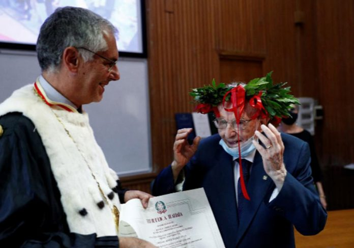 Giuseppe Paterno na formatura - Foto: REUTERS / Guglielmo Mangiapane