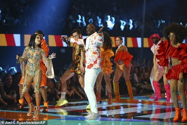 Akon no European MTV Awards na Espanha - Foto: Joel C Ryan / Invision / AP