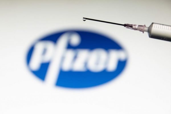 Vacina da Pfizer - Foto: Nicolas Economou / NurPhoto / Getty Images