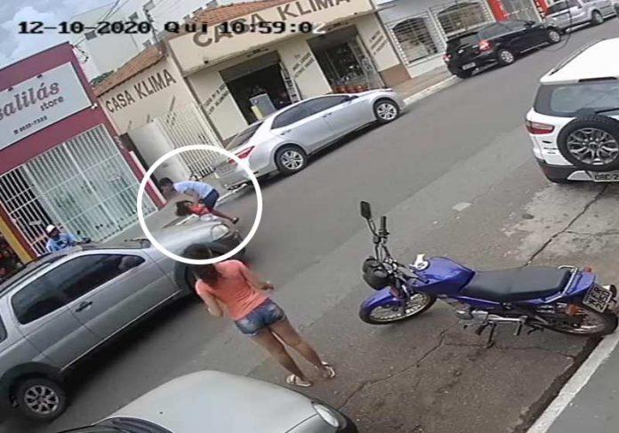 herói salvando a irmã de atropelamento - Foto: câmeras de segurança