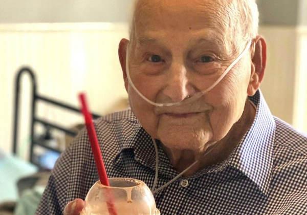 O major com seu milkshake Foto: Holly Wooten McDonald