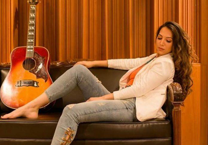 Cantora Mila Amorim - Foto: reprodução / Instagram