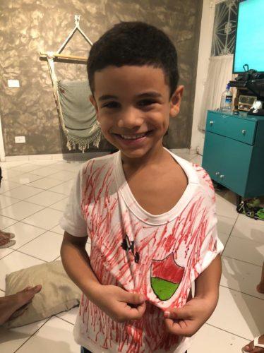 Rapha desenhou a própria camisa do Fluminense. - Foto: reprodução Twitter