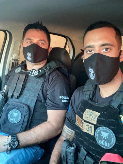 André Pompeu Negri e o amigo Rony Cley Caetano da Silva — Foto: Polícia Civil