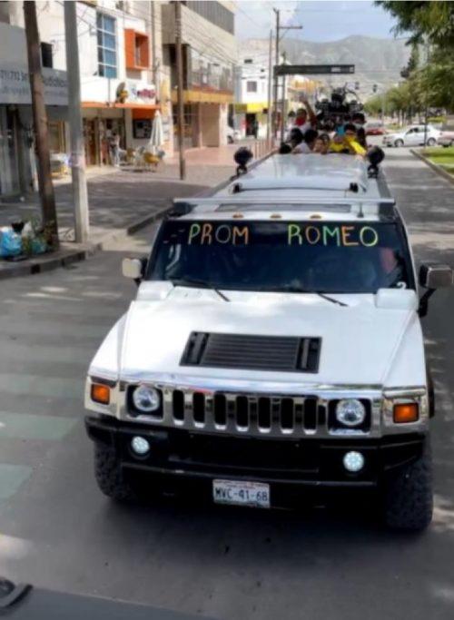 A limusine da festa do Romeo - Foto: reprodução / Facebook