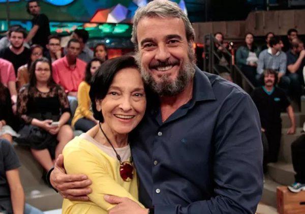 Alexandre e a mãe no Altas Horas - Foto: reprodução Globoplay