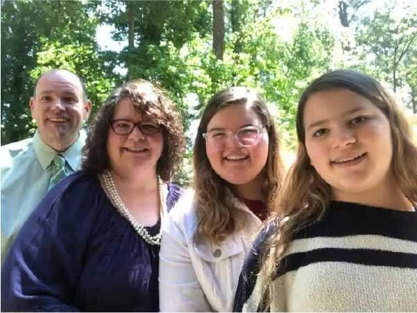 Katie e a família - Foto: arquivo pessoal