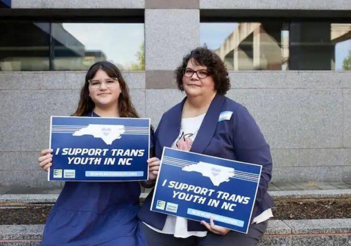 Katie se tornou advogada para defender os direitos da filha Maddie, que é trans - Foto: arquivo pessoal