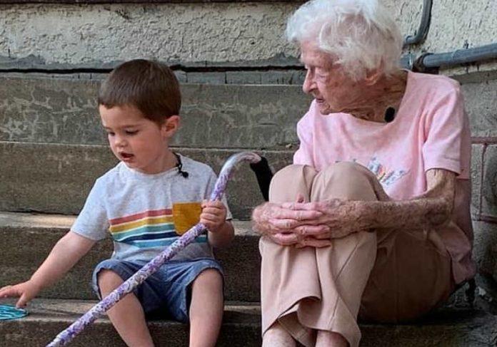 A diferença entre eles é de 97 anos Foto: Sarah Olson