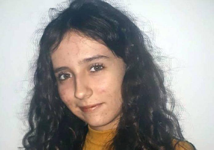 Rhayssa, de 18 anos, mora em Santos e precisa de ajuda para viajar - Foto: Arquivo pessoal