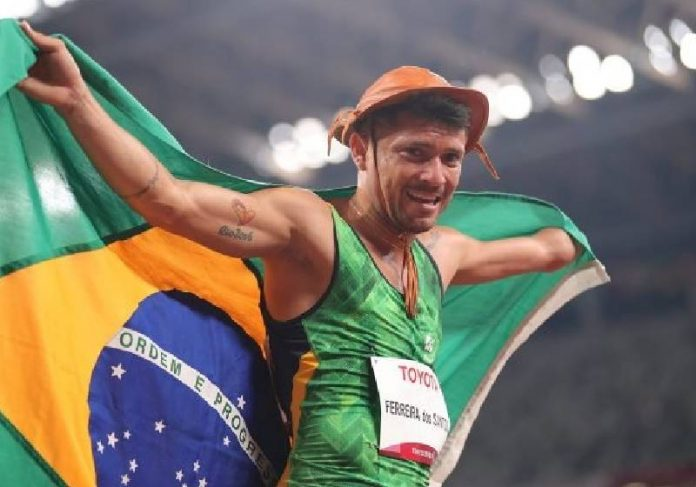 Petrúcio Ferreira bateu recorde paralímpico em Tóquio, o