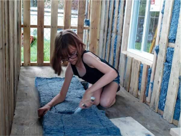 Hailey entregou a primeira casa - Foto: reprodução Facebook Hailey's Harvest