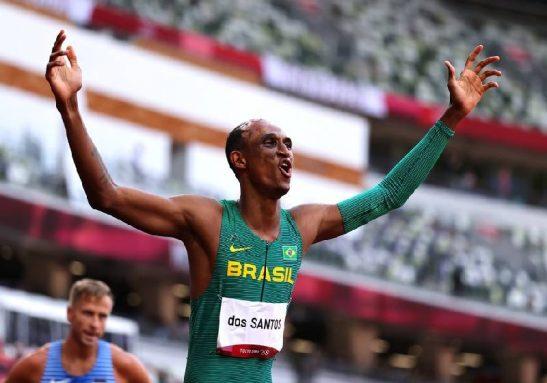 O brasileiro Alison dos Santos conquistou o bronze Olimpíadas de Tóquio - Foto: Lucy Nicholson/Reuters