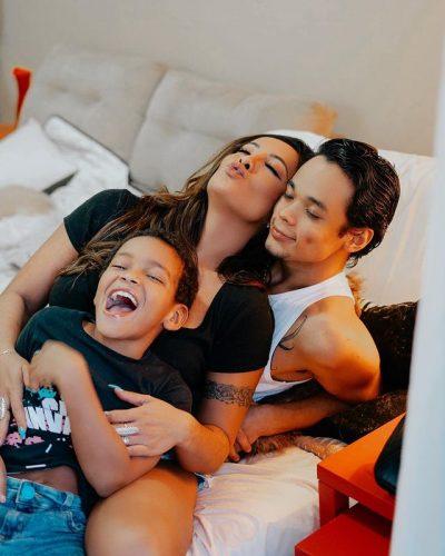 Carol e os dois filhos - Foto: reprodução Instagram @carol_nakamura
