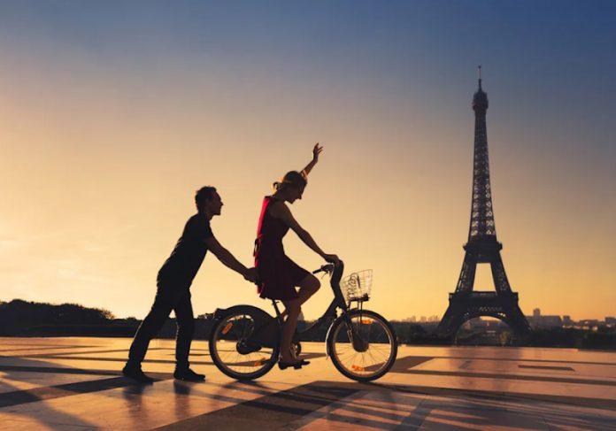 Governo francês dará até R$ 9 mil de bônus para população que trocar carro por bicicleta - Foto: reprodução Yahoo
