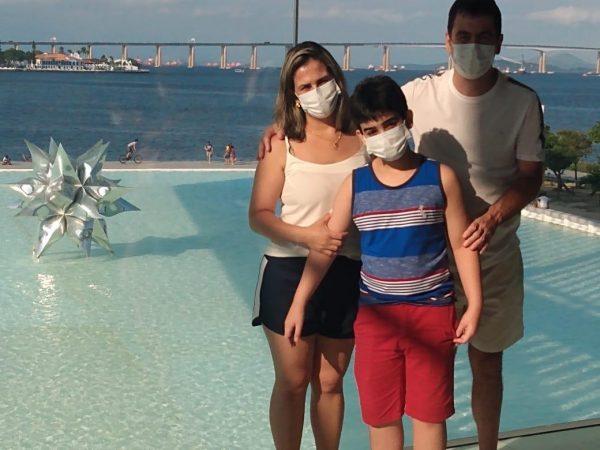 Caio e a família - Foto: arquivo pessoal