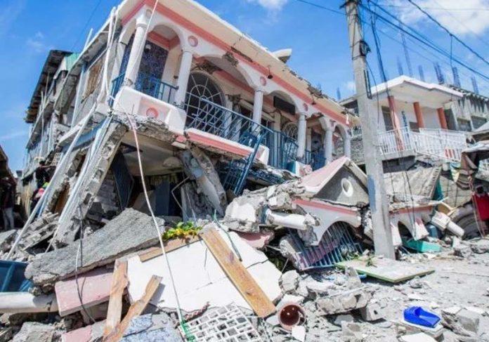 Escombros no Haiti, onde 24 pessoas foram encontradas vivas após terremoto - Foto: reprodução / Twitter