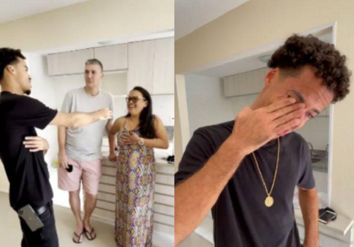 L7nnon dando a chave do apartamento para a tia que sempre acreditou nele - Fotos: reprodução / Instagram