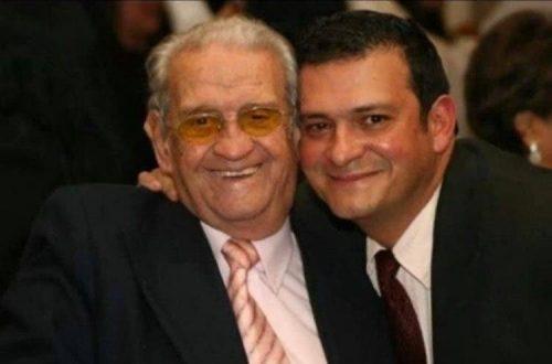 O médico ao lado do pai, que deu nome à fundação que bancou a cirurgia do seu Pedro - Foto: arquivo pessoal