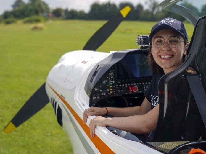 A piloto de 19 anos que vai fazer viagem à volta do mundo sozinha Foto: Notícias ao Minuto